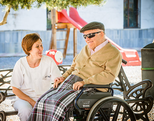 Ayuda a domicilio a personas mayores o con discapacidad