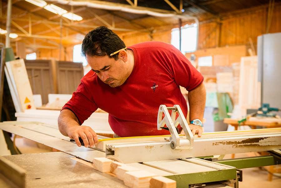 formacion-y-empleo-con-discapacidad-carpinteria-prode