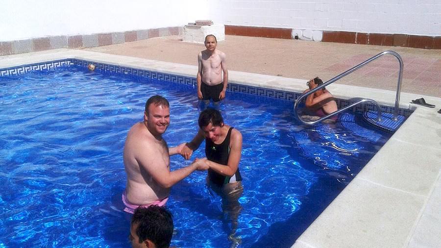 piscina-con-personas-mayores-con-discapacidad-prode