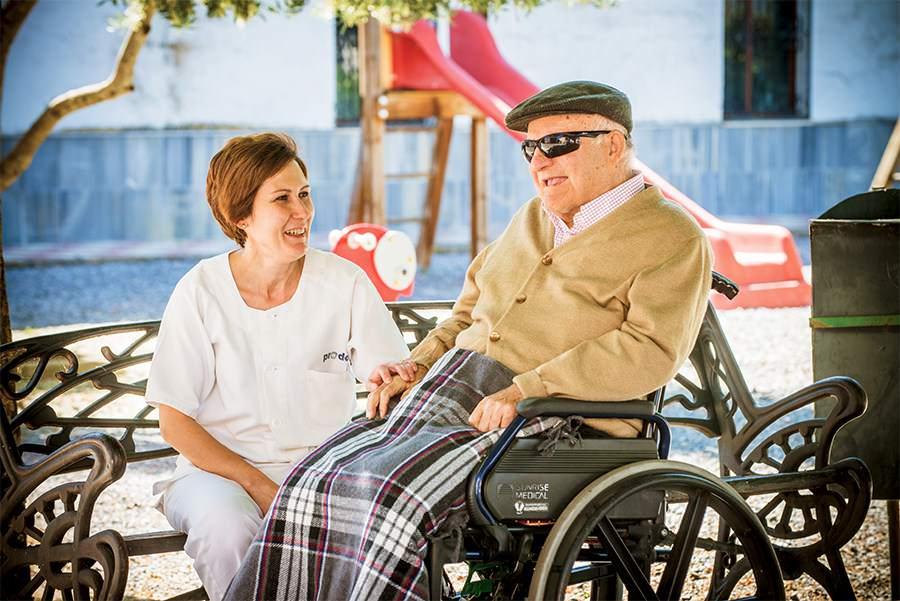 monitora-con-persona-con-discapacidad-prode